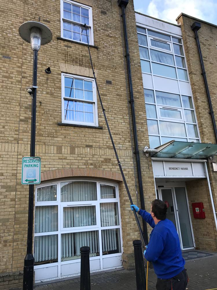 MY WINDOW CLEANER Business | Domestic and Commercial Window Cleaning Franchise